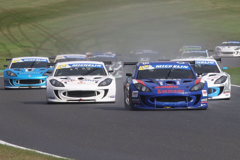 Burns takes Title Decider to Last Lap of the Season