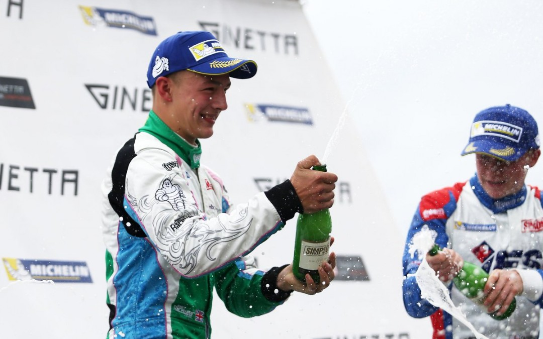Jewiss Wins at Knockhill after Titanic  Battle with team mate Harper